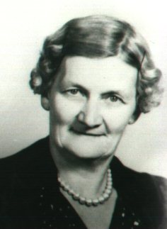 Mary Elsie <i>Knost</i> Alton