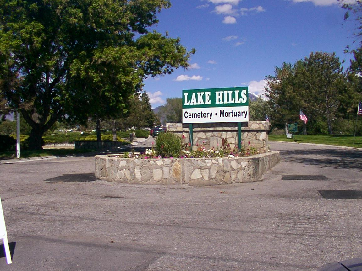 Lake Hills Cemetery