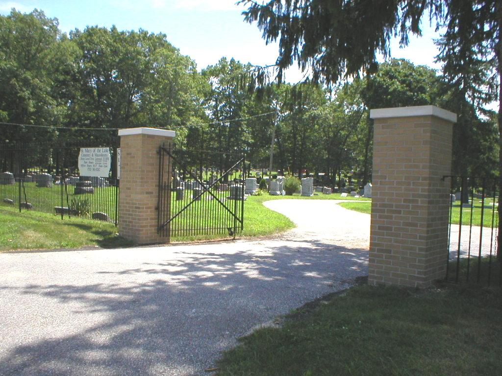 Saint Marys of the Lake Cemetery