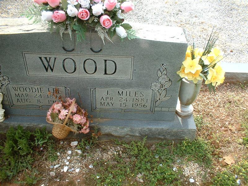 Woodie Lee <i>Sisk</i> Wood
