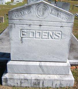 Elizabeth <i>Roberts</i> Giddens