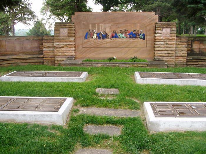 Westlawn-Hillcrest Memorial Park