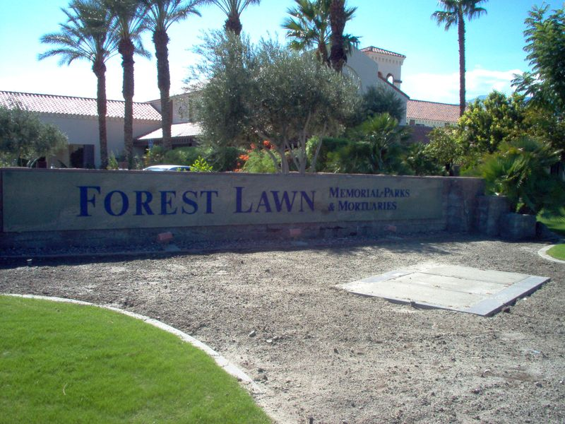Forest Lawn Memorial Park (Cathedral City)