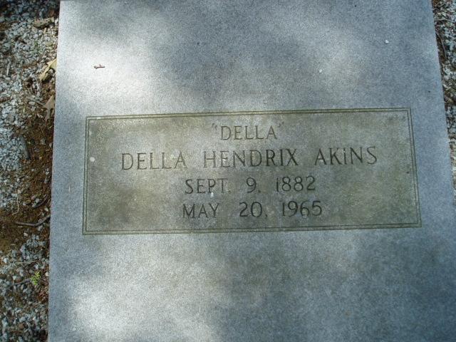 Della <i>Hendrix</i> Akins