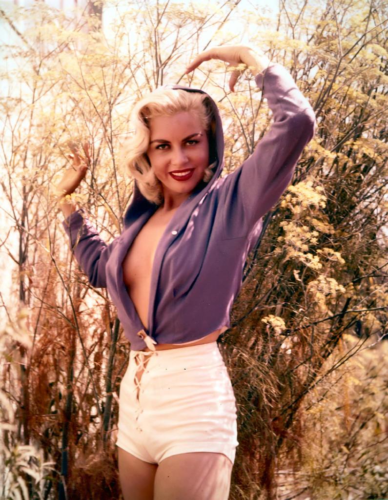 pictures Jean Carmen