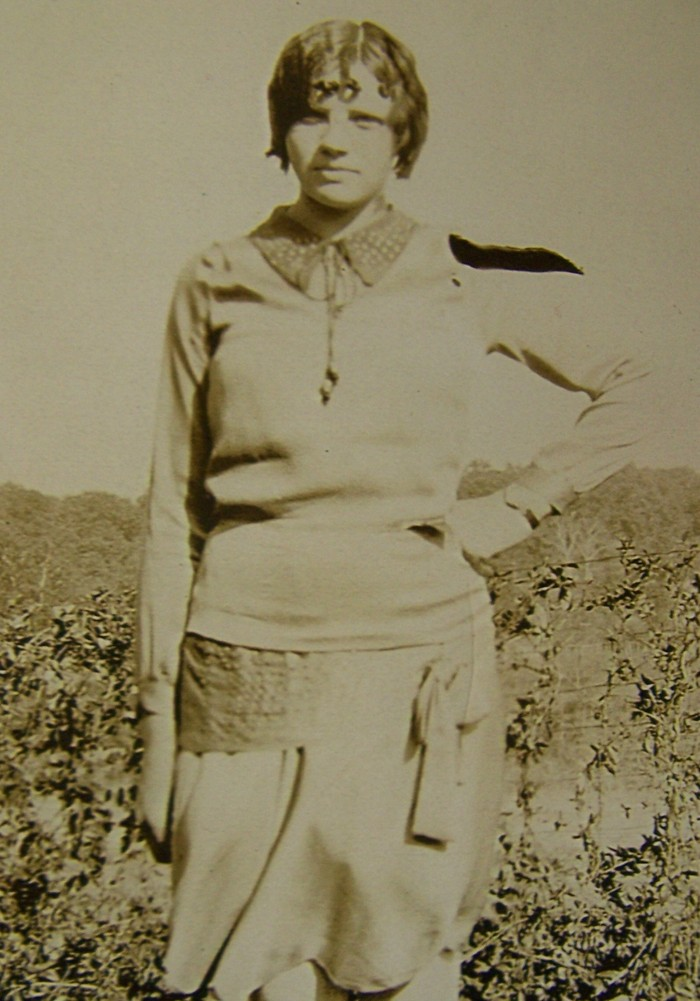 Lillian Lucille <i>Chenoweth</i> Holland