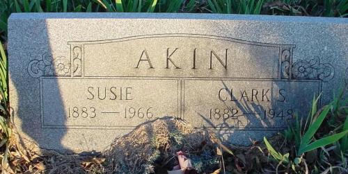 Susie <i>Tarpley</i> Akin