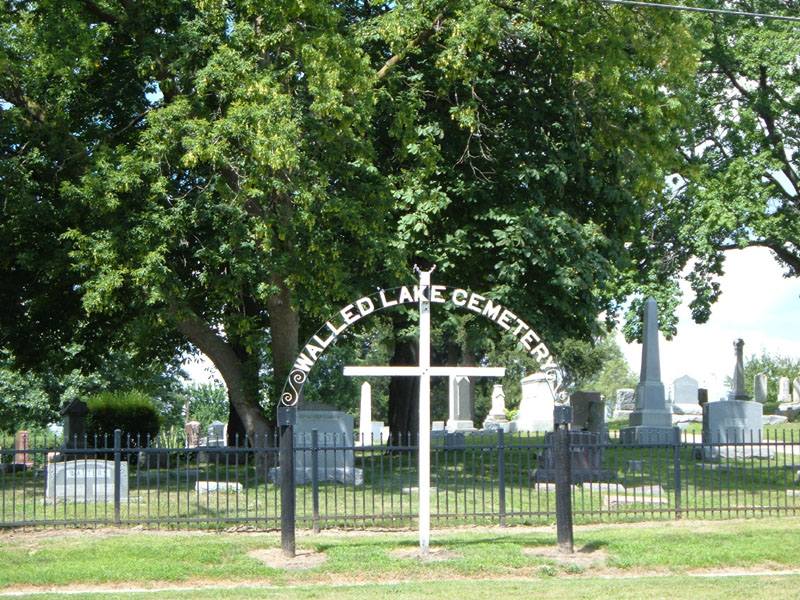 Walled Lake Cemetery