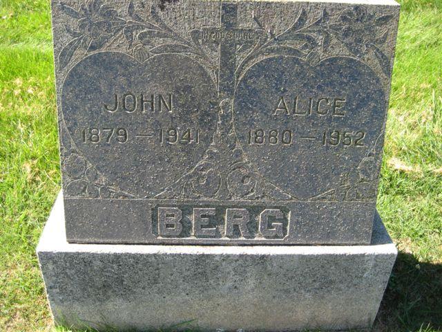 Alice <i>Davis</i> Berg