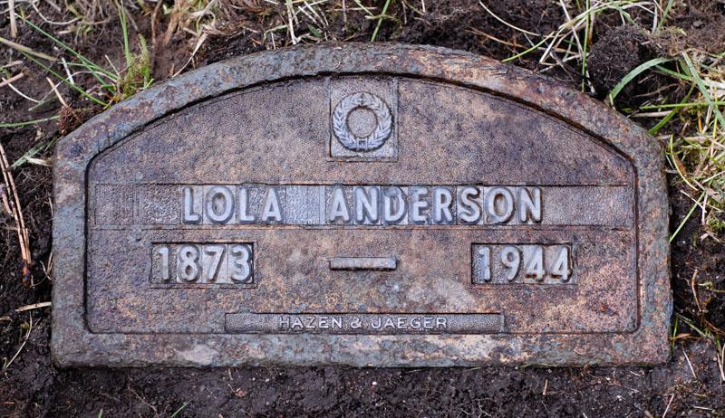 Lola <i>Graves</i> Anderson