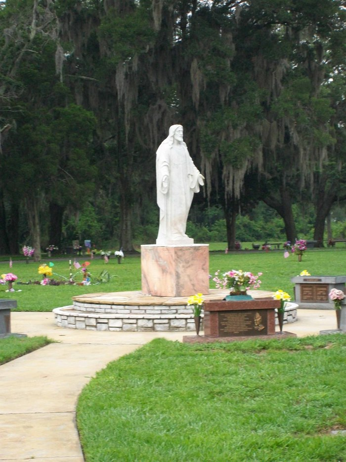 Lakeland Memorial Gardens In Lakeland, Florida - Find A Grave Cemetery
