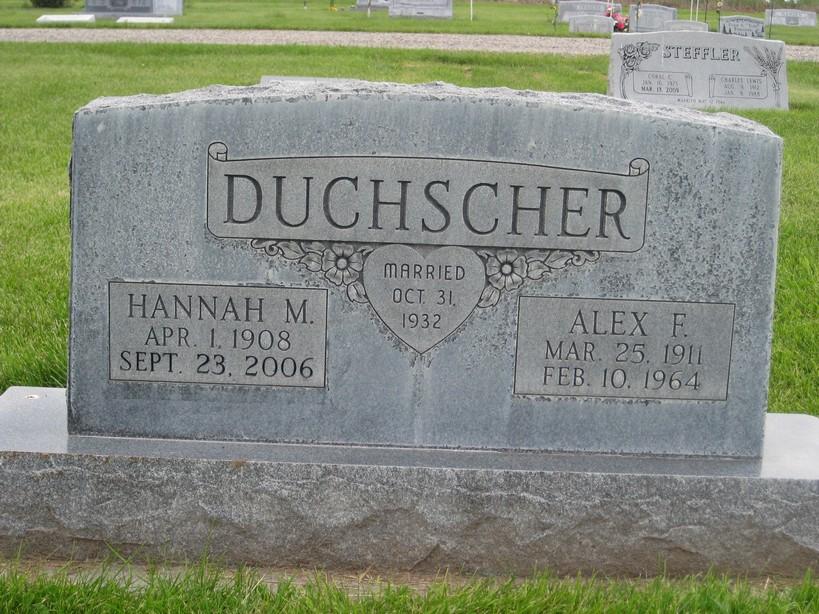 Hannah M Duchscher