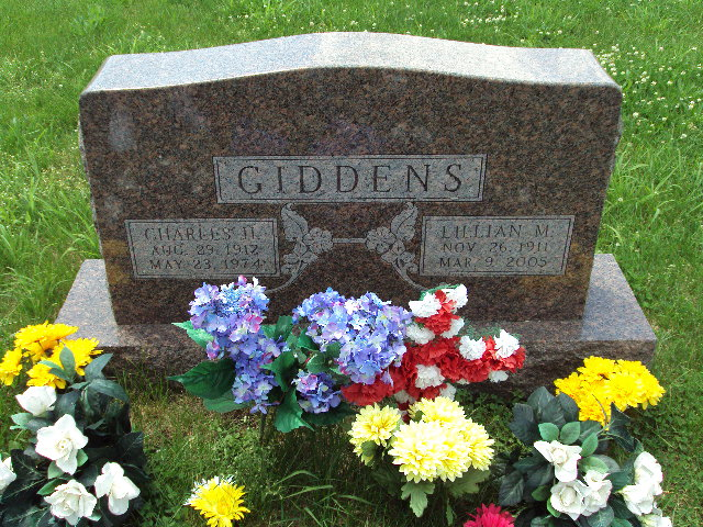 Lillian M <i>Boyd</i> Giddens
