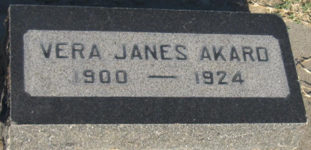 Vera <i>Janes</i> Akard