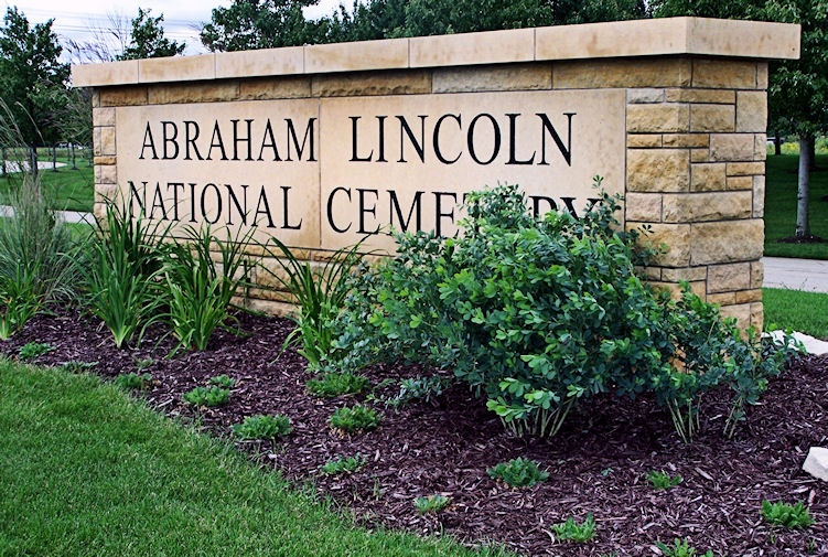 Abraham Lincoln National Cemetery