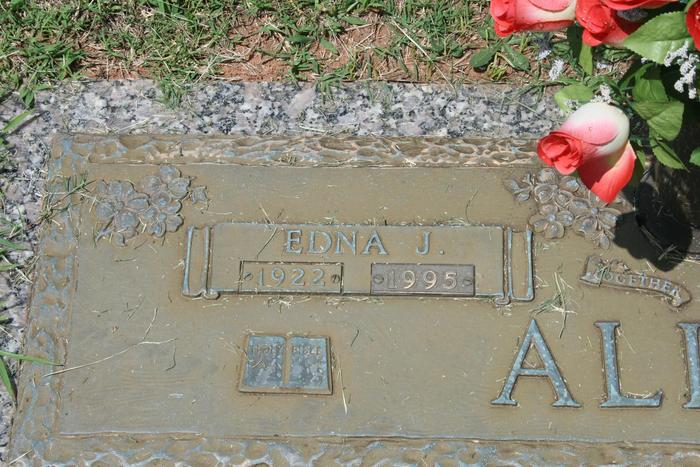 Edna Mae <i>Pauley</i> Aaron