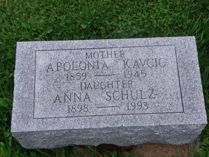 Anna <i>Kavcic</i> Schulz