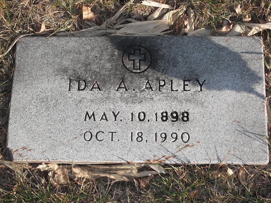 Ida Ann <i>Hoelz</i> Apley
