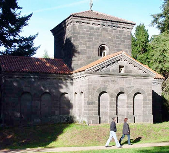 Mausoleum auf der Rosenhöhe (New)