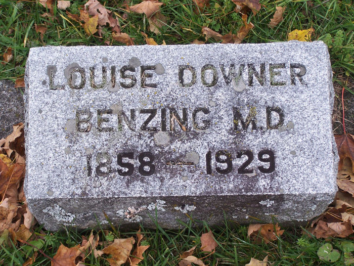 Dr Louise <i>Downer</i> Benzing