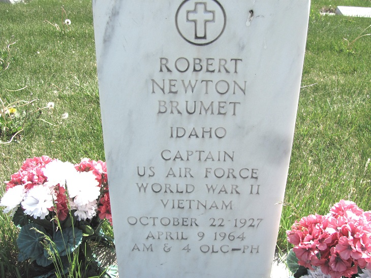 Capt Robert Newton Brumet