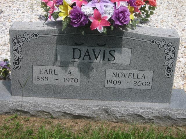 Novella <i>Simmons</i> Davis