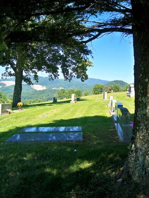 Spruce Pine Memorial Cemetery