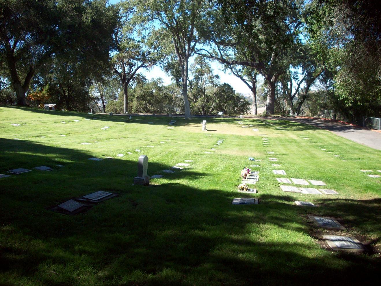 Atascadero Pine Mountain Cemetery