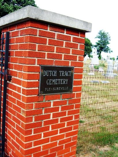Dutch Tract Cemetery