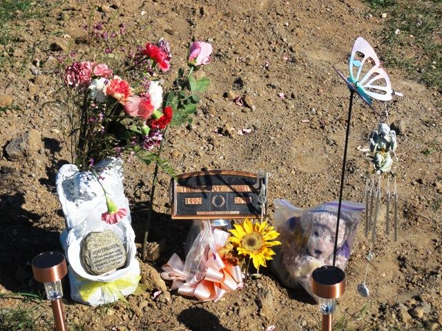 Al Capone - Al Capone's grave. Read more about Al Capone's end. http: