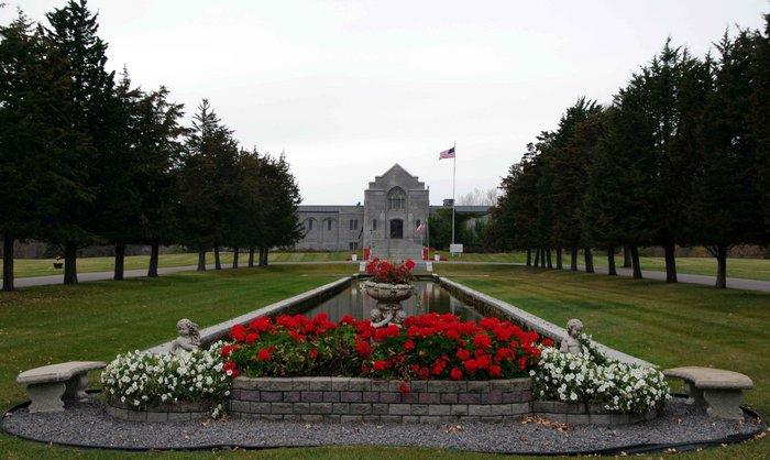 Sunset Memorial Park Cemetery