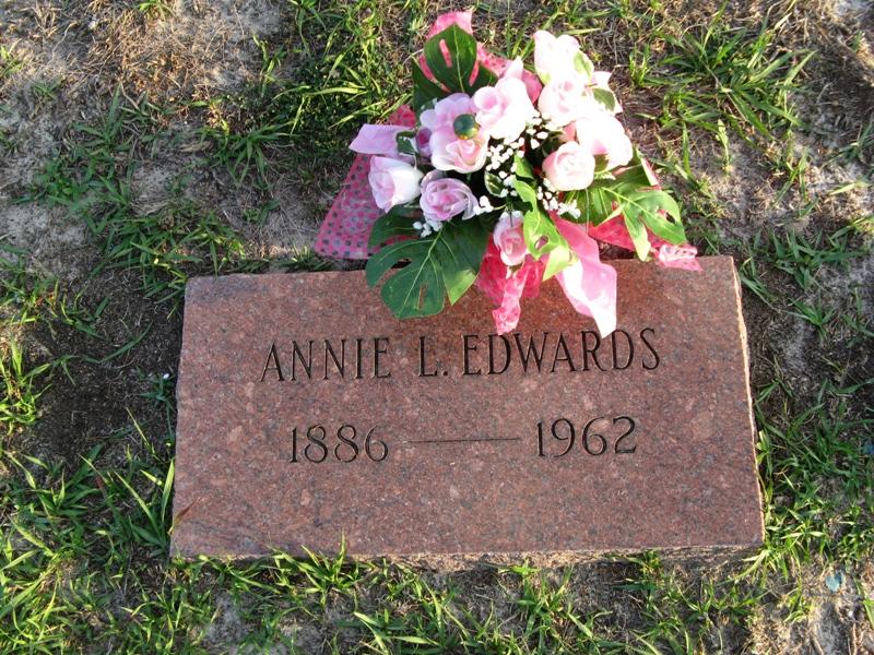 Annie L <i>Baker</i> Edwards