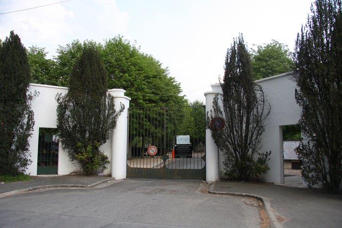 Cimetière de Sainte Genevieve Des Bois