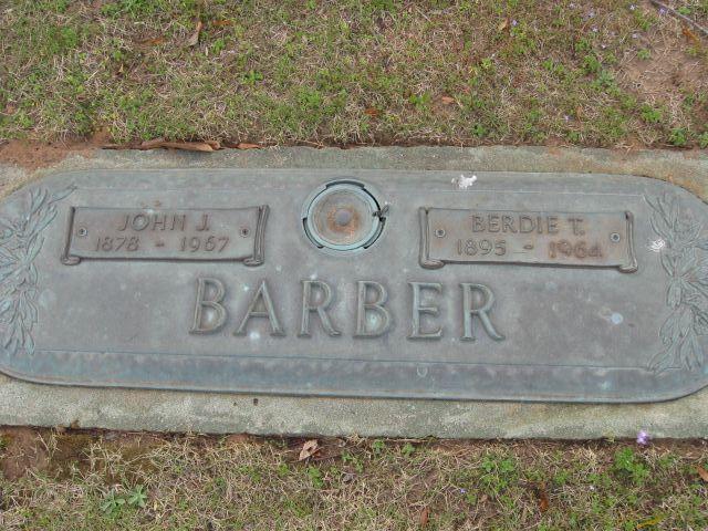 Berdie <i>Tucker</i> Barber