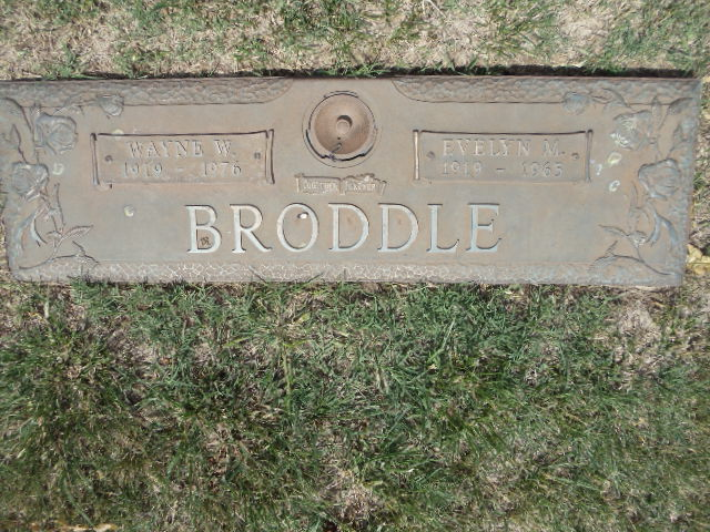 Evelyn M Broddle