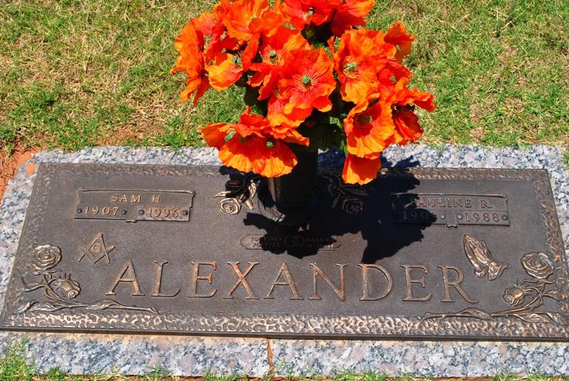 Pauline R Alexander