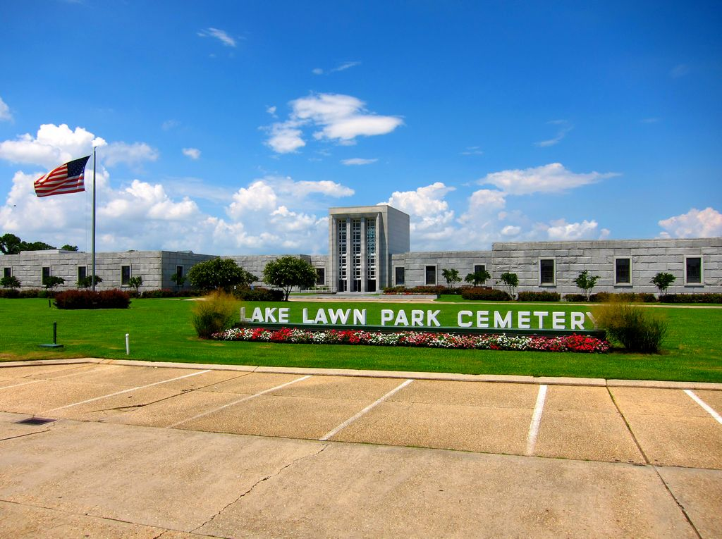 Lake Lawn Park Cemetery and Mausoleum