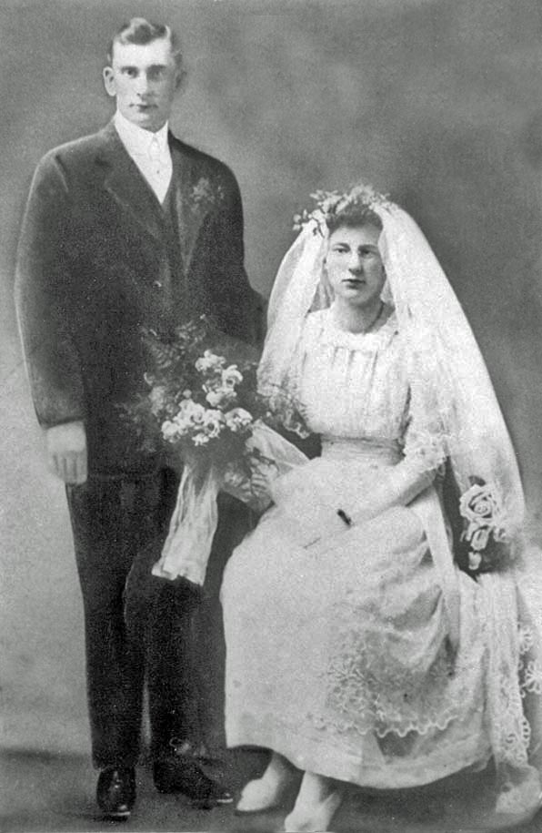 Josephine Sarah Josie <i>LaPointe</i> Niesen