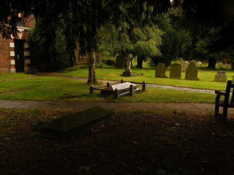 St Dunstan with Holy Angels Churchyard