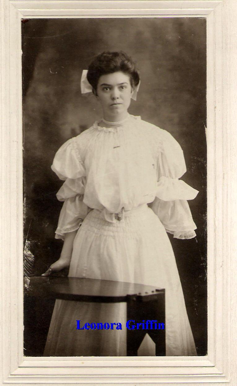Mrs Leonora Bell Nonie <i>Griffin</i> Brown