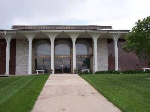 Memorial Gardens Cemetery and Mausoleum