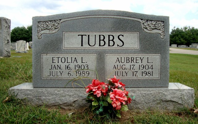 Aubrey L Tubbs