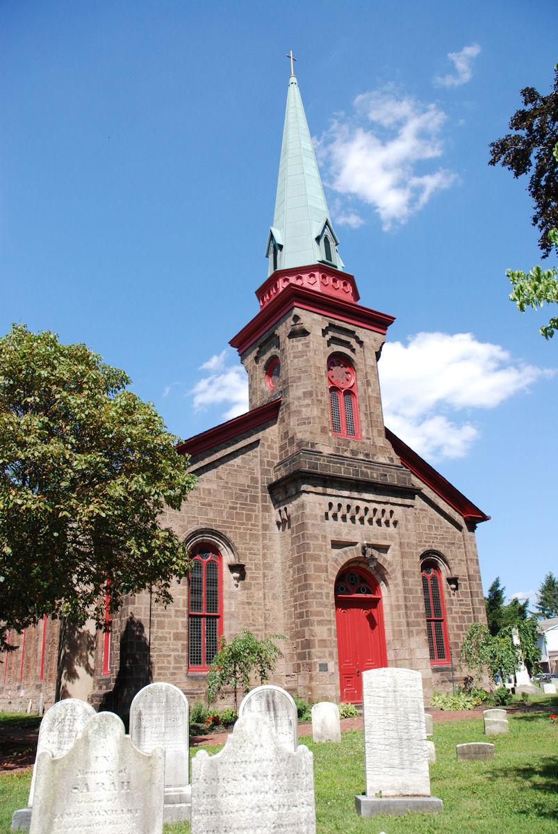Saint James Episcopal Churchyard