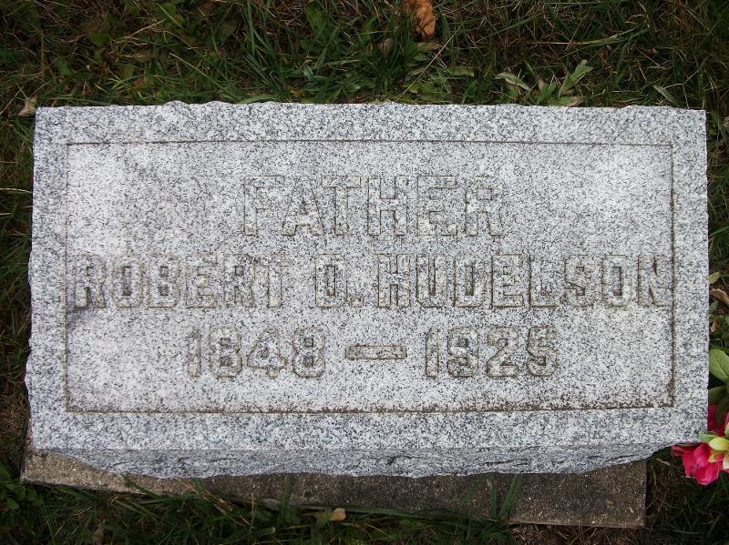 Robert D Hudelson