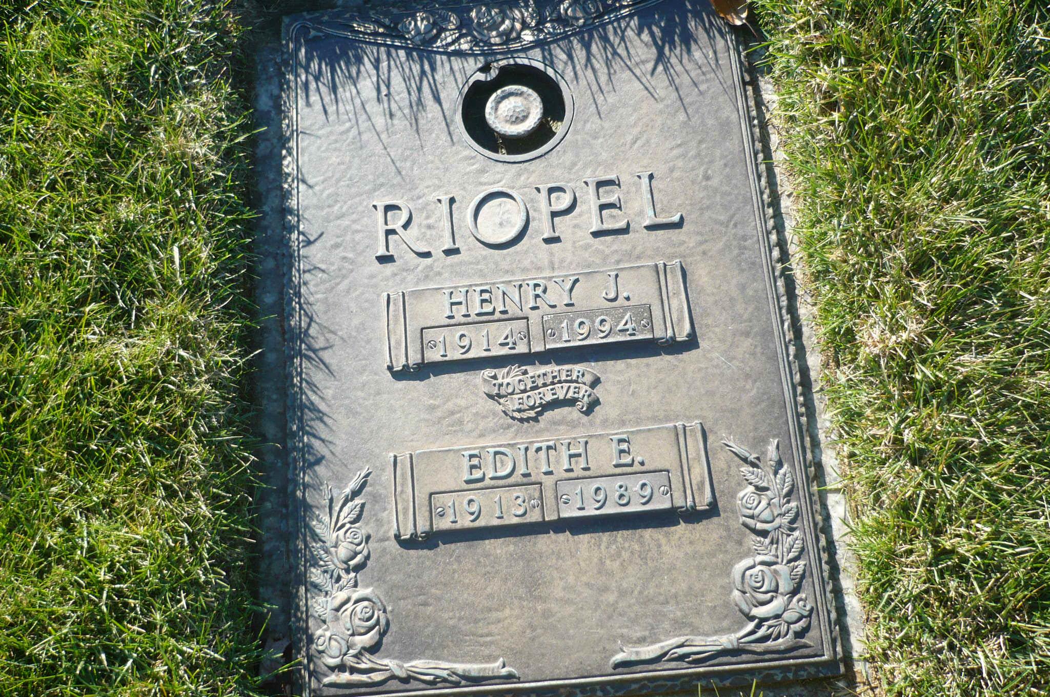 Edith E Riopel