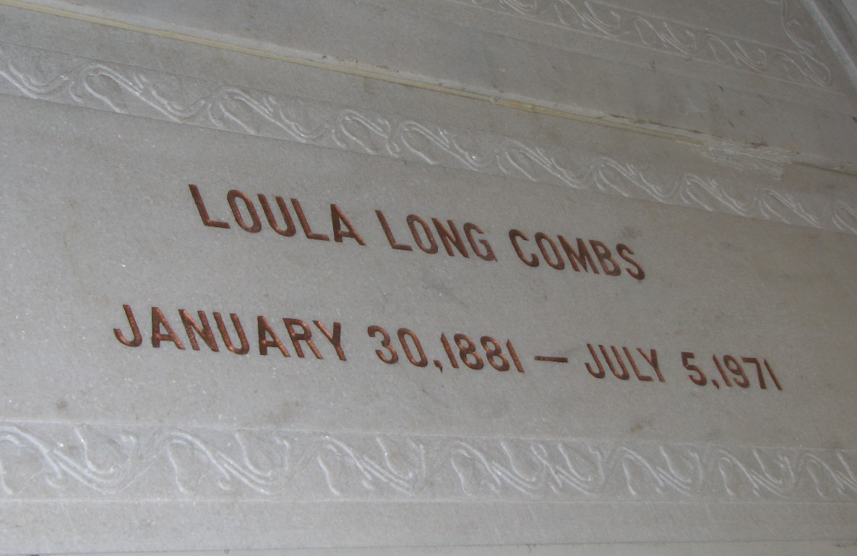 Loula <i>Long</i> Combs