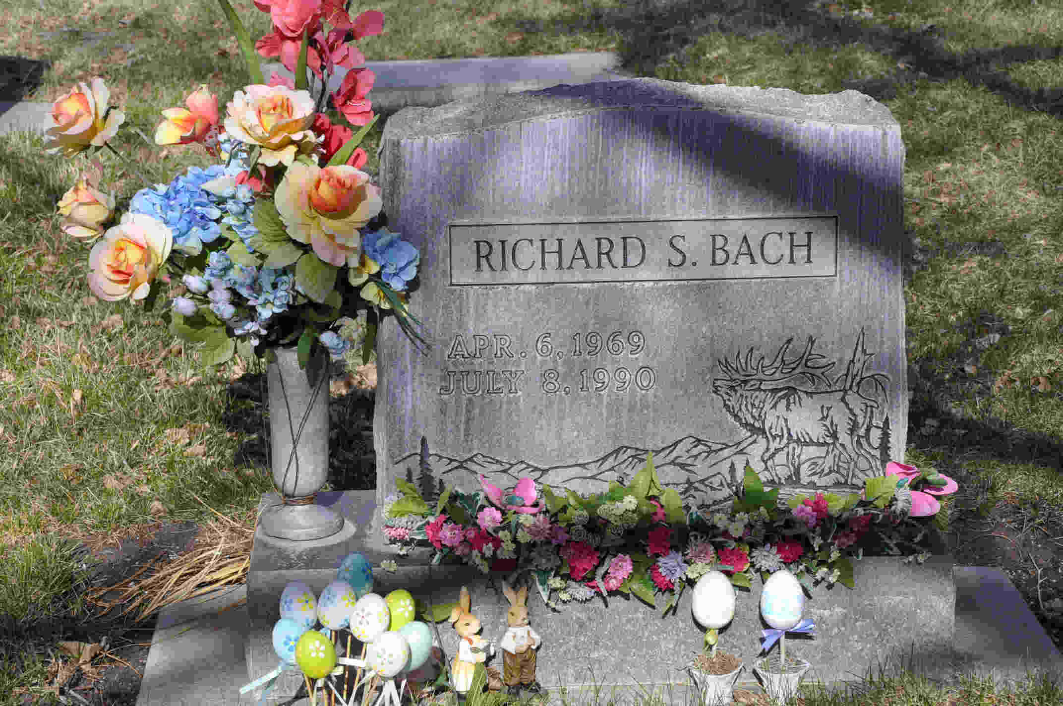 Richard S Bach