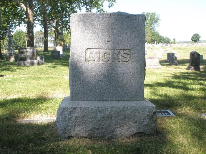 Gertrude Anna <i>Wallace</i> Dicks