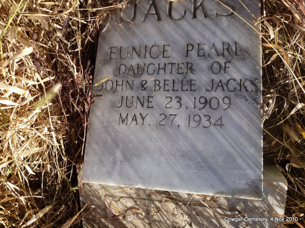 Eunice Pearl Jacks