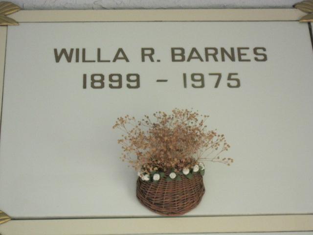 Willa <i>Robbins</i> Barnes